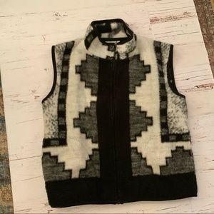 Together - west furry western print zip vest L